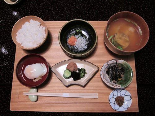 世界三大料理に日本食がないのマジで意味わかんないんだが?