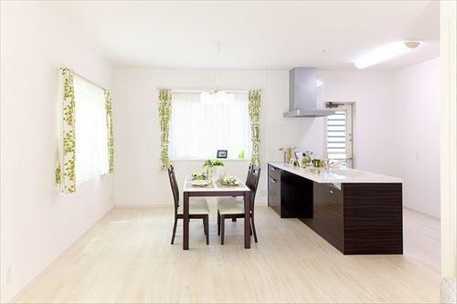 housing-900240_640_R