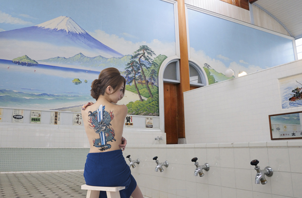 なじみの銭湯では、新幹線やから芸人と思われてるみたい。『あ、新幹線のオネーチャンや』って言われて