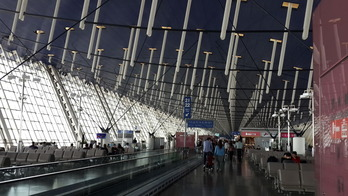 広い上海浦東空港でも7時間待ちはつらい