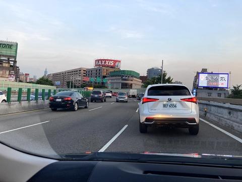 台湾は高級車の事故が多い