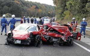 台湾では高級車の事故も半端ない