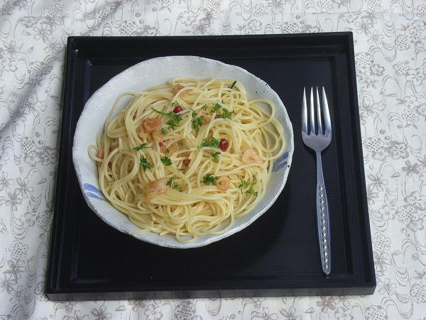 1280px-Spaghetti_aglio_olio_e_peperoncino_by_matsuyuki