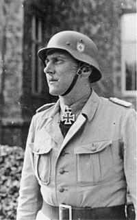 200px-Bundesarchiv_Bild_101III-Alber-183-25,_Otto_Skorzeny