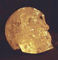 200px-Crystal_skull