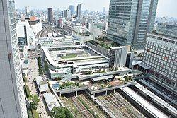 250px-JR_Shinjuku_Miraina_Tower-1