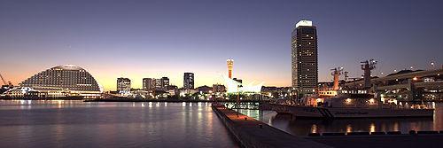 500px-Port_of_Kobe01s3780