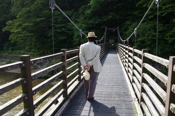 11 橋を渡る