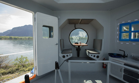 This-Tiny-Home-Is-Modeled-After-a-Lunar-Lander-3
