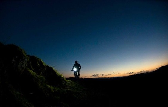 Night-ride-landscap-sunrid-e1448021598919
