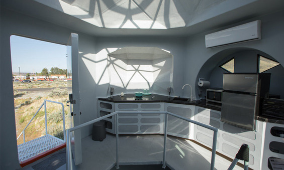 This-Tiny-Home-Is-Modeled-After-a-Lunar-Lander-4