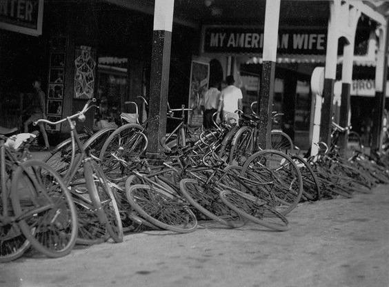 誰かが自転車置き場を荒らした ...