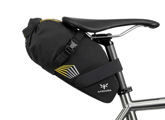 apidura-racing-saddle-pack-5l-on-bike-1