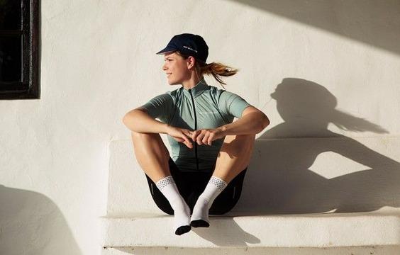 women-cycling-jersey-fleurette-granite-green-action-2