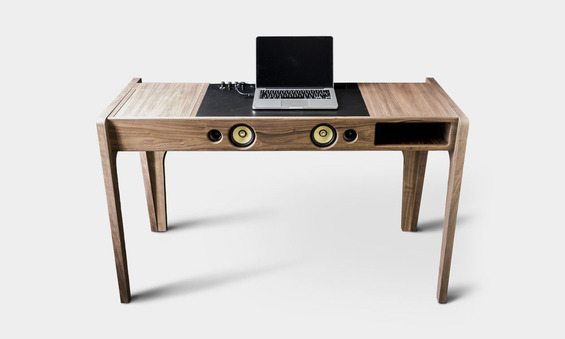 Laptop-Dock-Studio-Has-a-Sound-System-Built-In-1