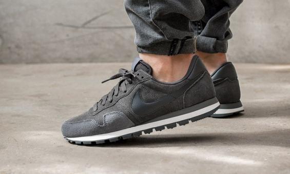 Nike-Air-Pegasus-83-Leather
