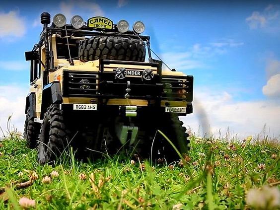 Lego-RC-Land-Rover-Defender-90-800x600