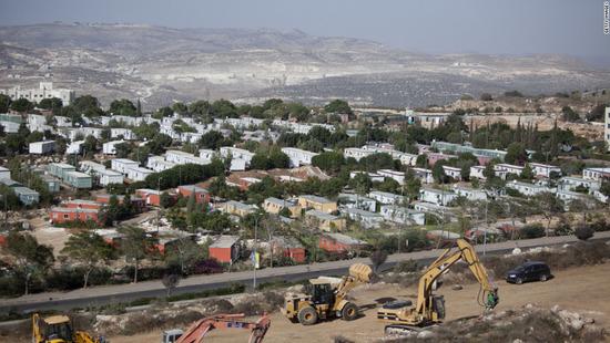israel-constructing-settlement