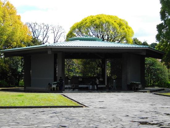 141318364369086896177_Chidorigafuchi_National_Cemetery1