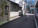 逗子銀座通りへの路地