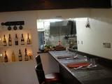 レネ カウンター席とキッチン