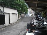 ランティミテ ホーム沿いの道
