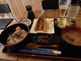 ウミノマチ アジフライ&シラス丼