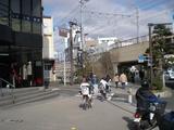 下馬 横須賀線ガード付近