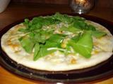 COCOMO シラスとルッコラのピザ