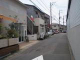 ラバーマ 駅前の道