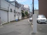 日月日 横浜銀行の向かいの路地
