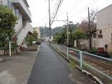 鎌府 線路沿い
