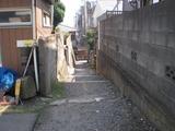 京七里 駅前の路地