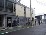 JS 店の壁