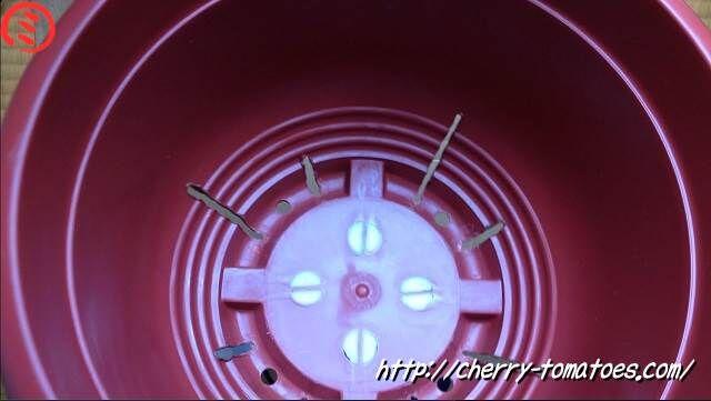 ダイソー10号鉢をスリット風に加工