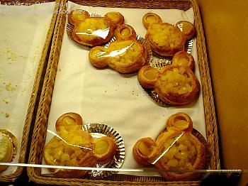 ミッキー型のパン