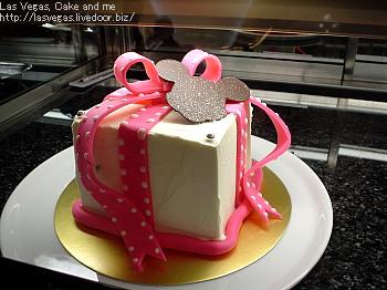 スウィートリボンケーキ