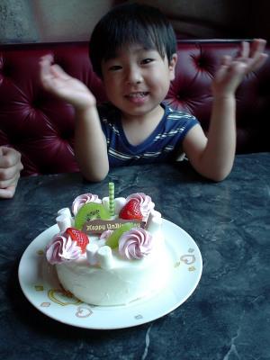 甥とケーキ