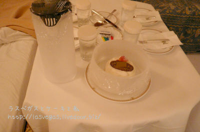 ミラコスタルームサービス誕生日ケーキ