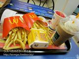 タイのマクドナルドで軽く夕食を
