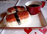 赤い機内食風食器