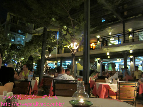 バーンライマイというホテルのレストラン