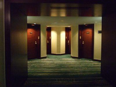 廊下から見たお部屋のお入り口