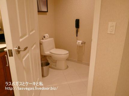 トイレは個室