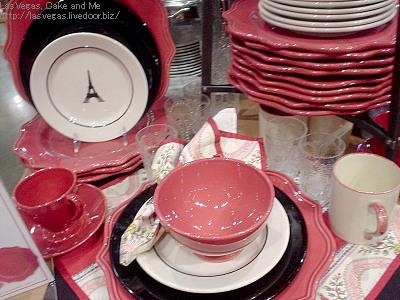 ピンクの食器