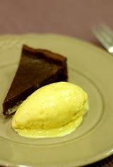チョコレートタルトとヴァニラアイスクリーム