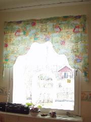 子供部屋窓・短