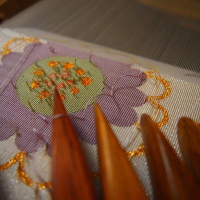 つづれ帯を織ってます