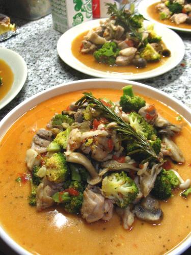 地鶏とカリフラワーの蒸し煮