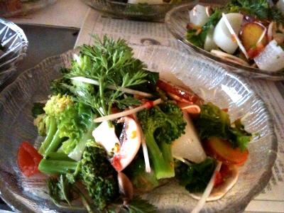 なにわ伝統野菜で根菜サラダ 苺とレモンのドレッシング